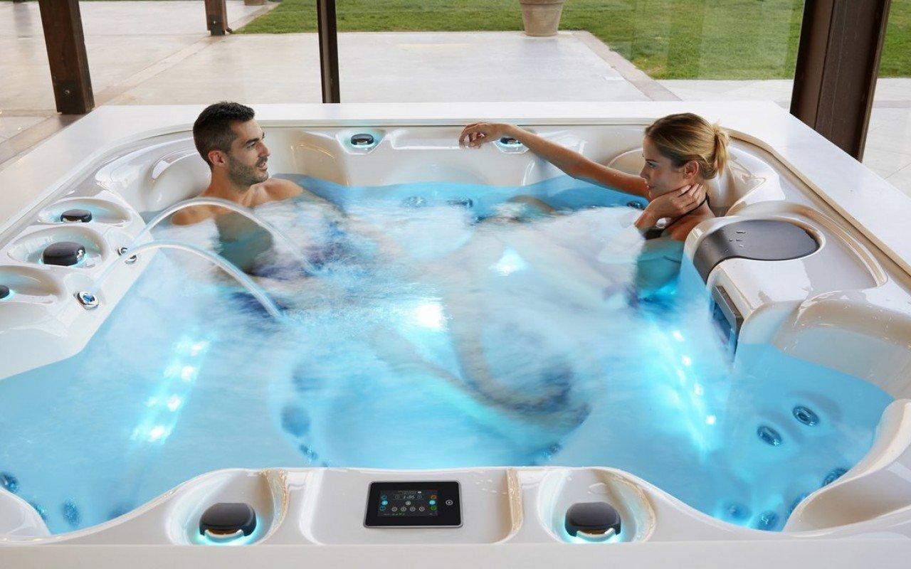 Aquatica Laguna Spa Outdoor and Indoor Hot Tub