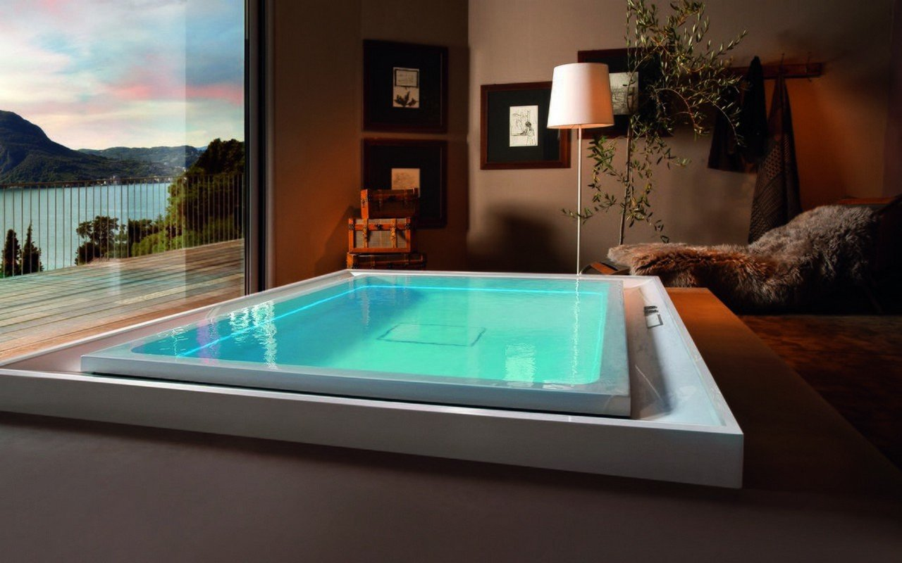 Aquatica Fusion Cube HydroRelax Jetted Outdoor/Indoor Bathtub
