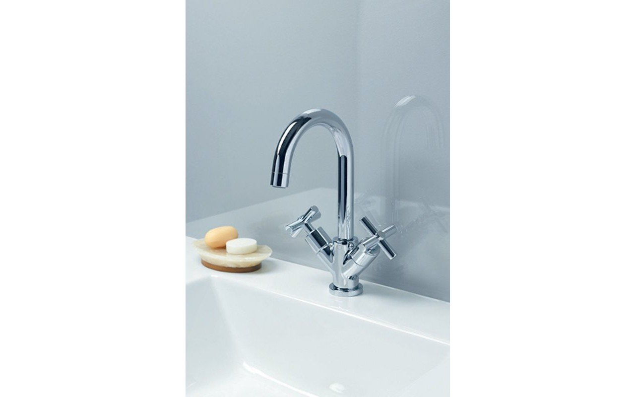 Aquatica Celine 7 Sink Faucet (SKU 226) – Chrome 02 (web)