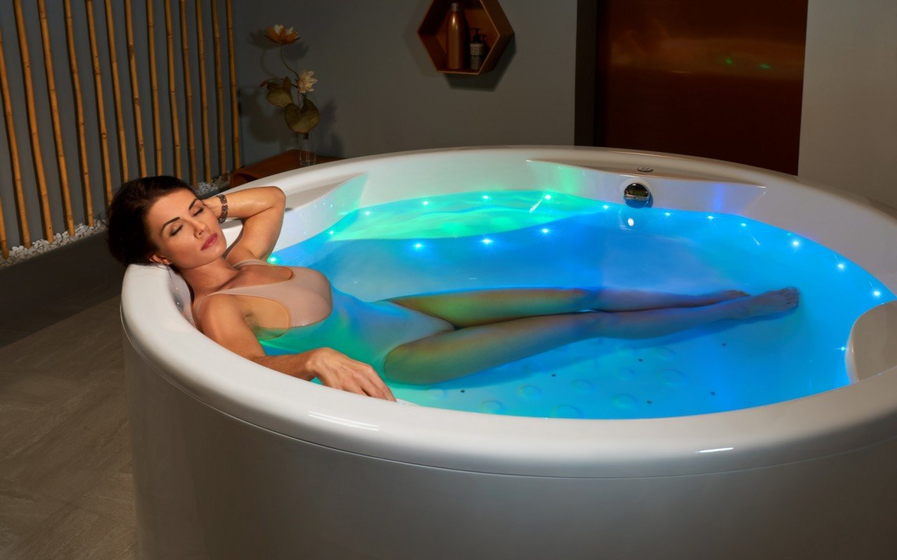Aquatica Allegra-Wht Freestanding Relax Air Massage Bathtub picture № 0