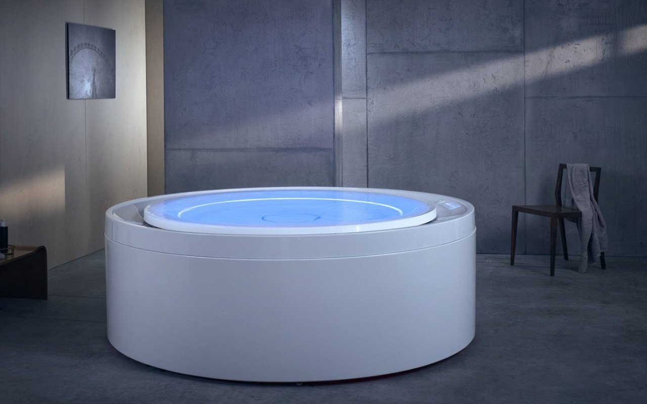 Luxury Infinity Hot Tub with Hydro-massage | Fusion Rondo Spa