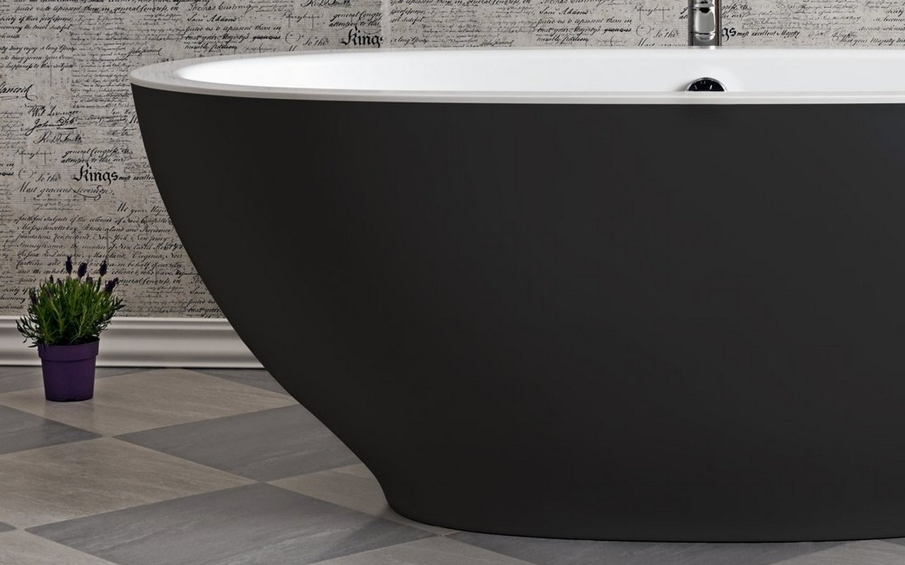 Aquatica Karolina Blck Wht Freestanding Solid Surface Bathtub 02 (web)