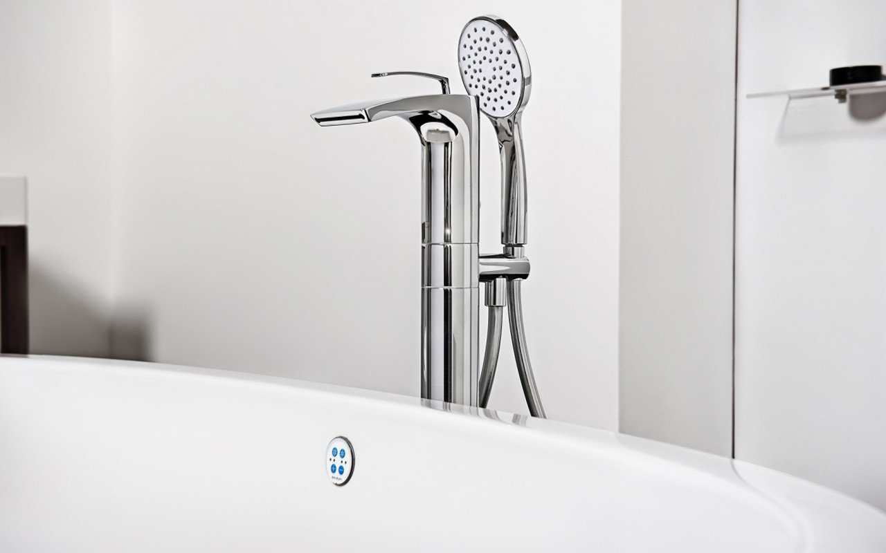 Aquatica Bollicine Floor Mounted Bath Filler – Chrome