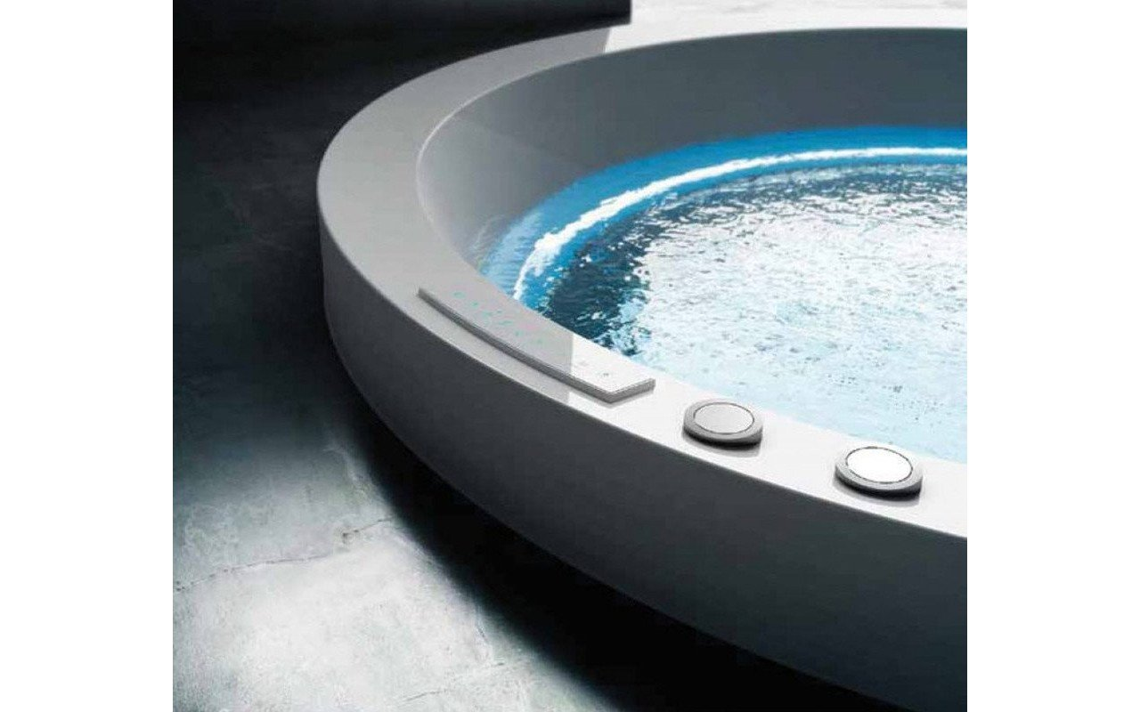 Dream Ovatus outdoor hydromassage bathtub 02 (web)