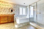 big freestanding bathtubs