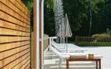 Gamma 510 freestanding outdoor shower 04 (web)