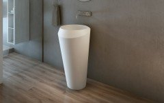 Aquatica Solo Freestanding Solid Surface Lavatory 01 (web)